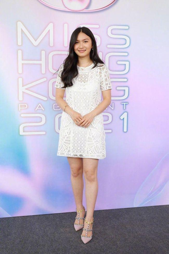 关礼杰26岁女儿参选港姐 媒体称最漂亮星二代之一