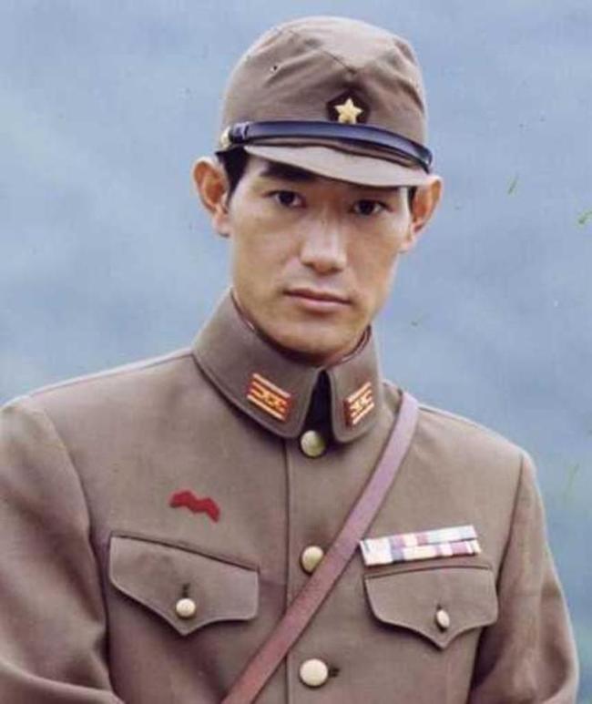 日本男星矢野浩二在中国打疫苗 鞠躬:感谢中国