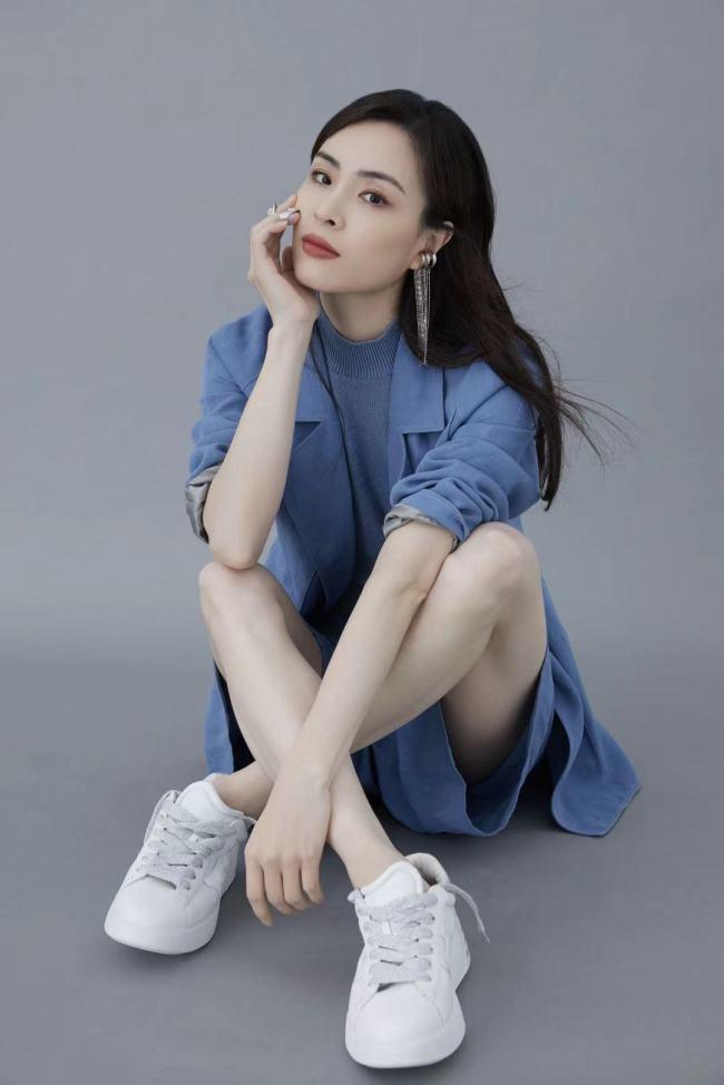 """吴敏霞称人生不是抛物线 看《冠军绽放》""""倔强""""人生"""