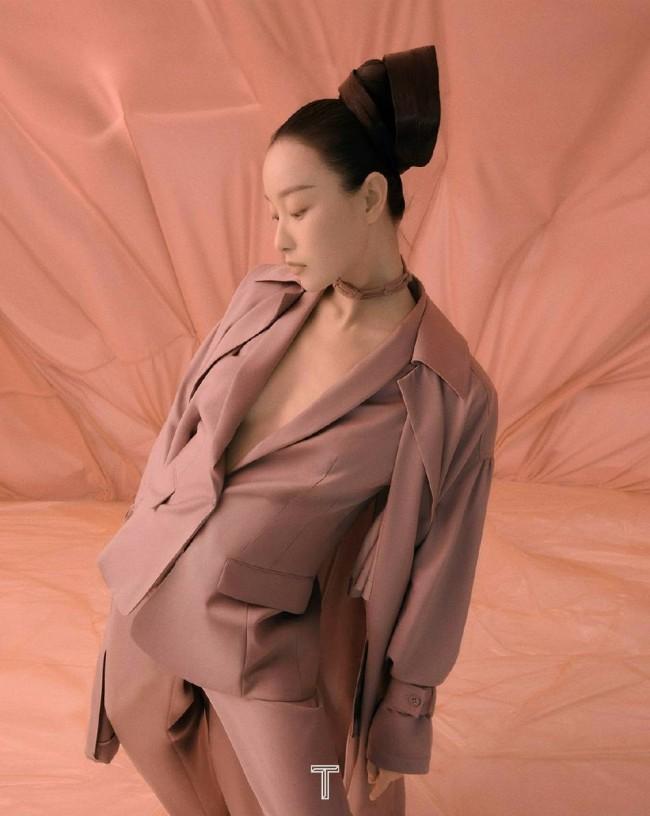 倪妮时尚大片风格多变 夸张造型尽显高级感