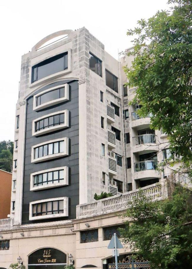 郭富城晒豪宅内景一个沙发40万 老婆却坐经济舱