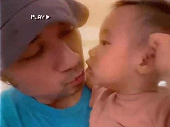 好有爱!古巨基晒与儿子亲吻照为自己庆祝49岁生日