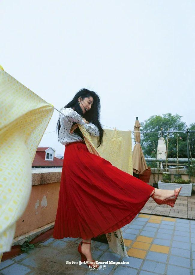 39岁范冰冰依旧美丽!穿红色长裙性感迷人