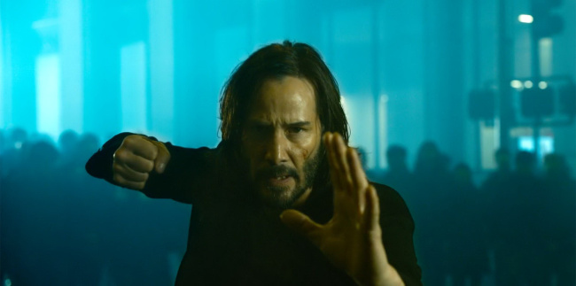 《黑客帝国4》首播剧照释出 基努·里维斯准备开战
