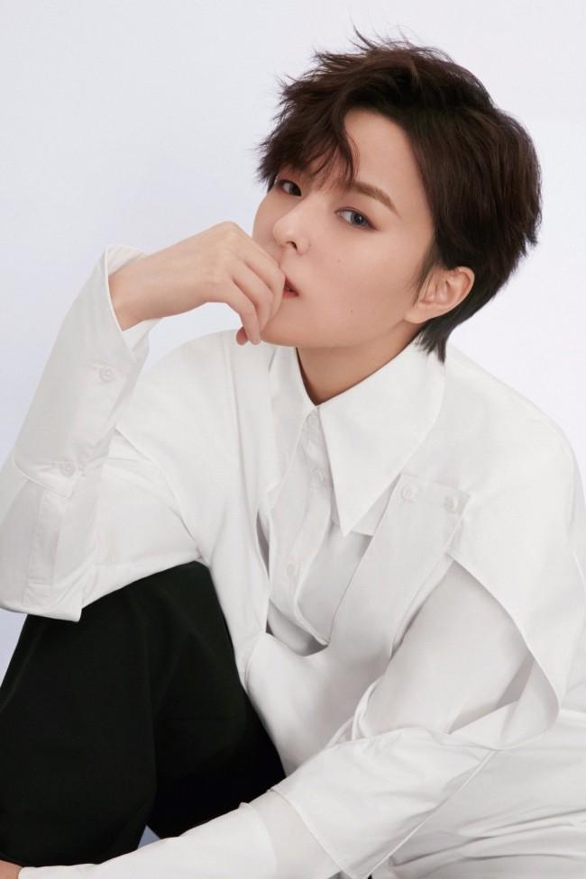 杨芸晴x刘逸云Amber Liu 破次元合作 新歌正式推出