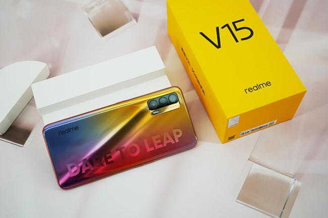 国潮配色全面升级 realme V15厚度仅为8.mm