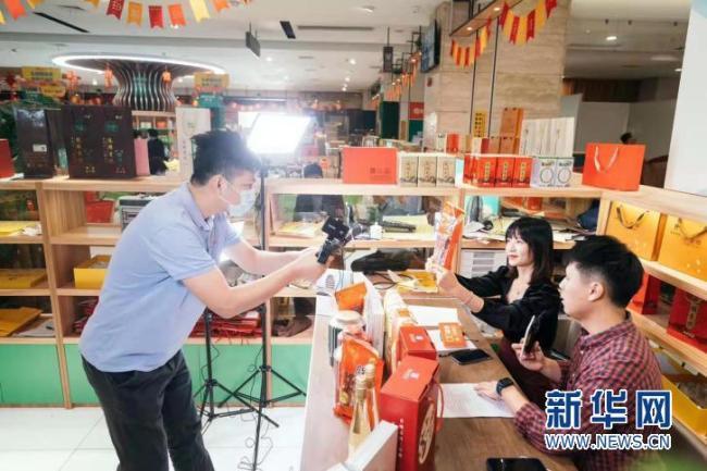 广东惠州启动在惠过年系列活动 包括免费开放文体场馆等10大暖心惠民举措