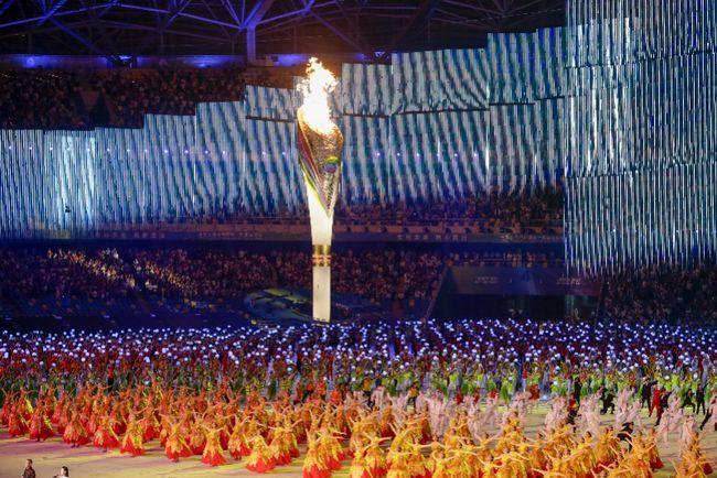 广东代表团亮相第十四届全运会开幕式 苏炳添以火炬手身份参加