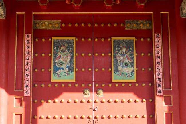紫禁城有九千间房屋,过年时谁给紫禁城写春联?