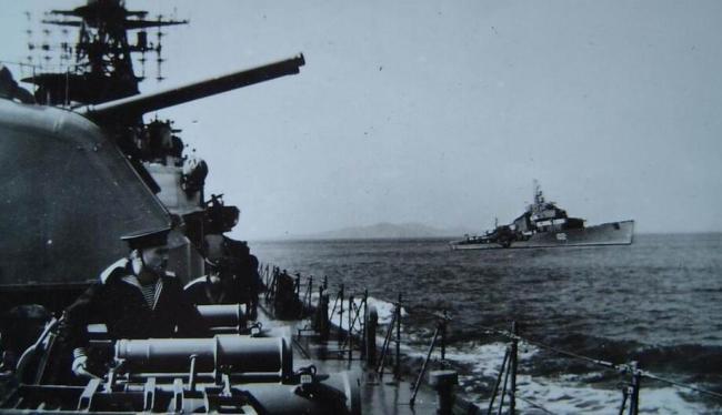 苏联出售二手军舰,每艘要17吨黄金,萧劲光下令:废铜烂铁也要