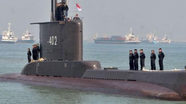 印尼海军潜艇失联 专家:还有可能和潜艇取得联系