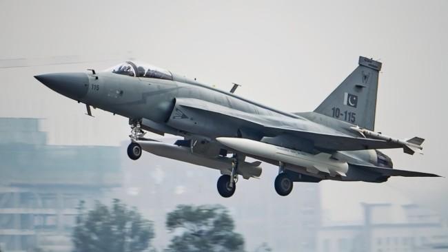 外媒:中国准备向阿根廷出口JF-17战机