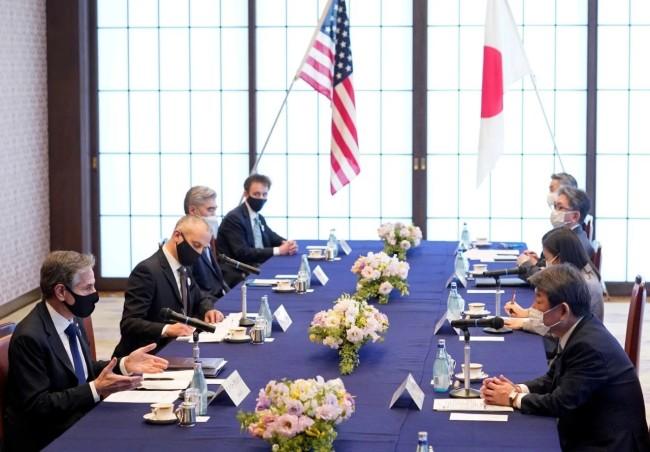 """日本防卫费欲突破""""GDP1%框架"""" 传递危险信号"""