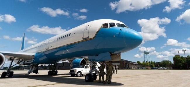 """美国空军刚搁置""""空军二号""""替换计划"""