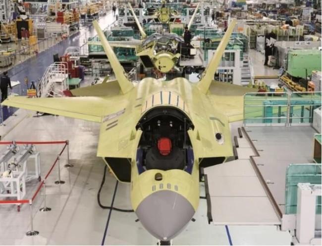 韩国五代机刚刚亮相两个月被拆成零件!