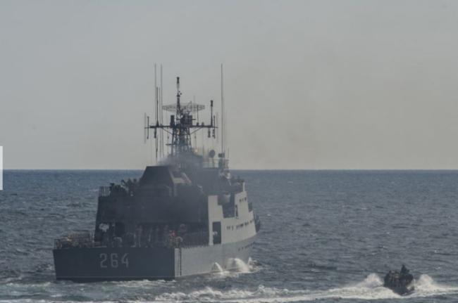 敏感时刻美宣布对乌军援 美导弹驱逐舰又驶入黑海