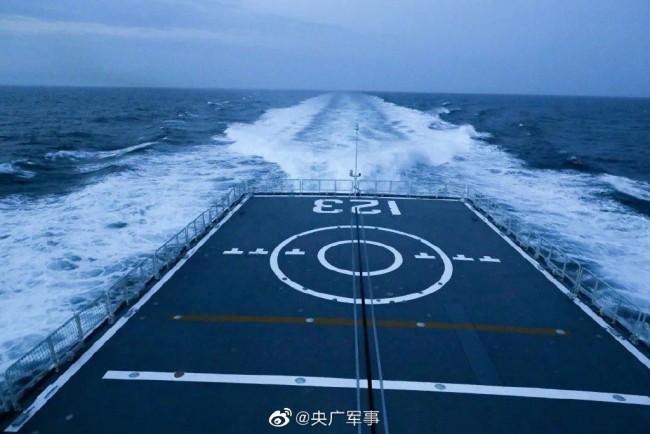 抓拍北部战区海军驱逐舰防空导弹发射瞬间