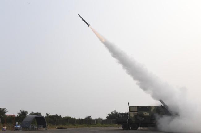 印度3天内2次成功试射新防空导弹