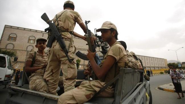 也门政府军与胡塞武装交火致17人死亡、35人受伤