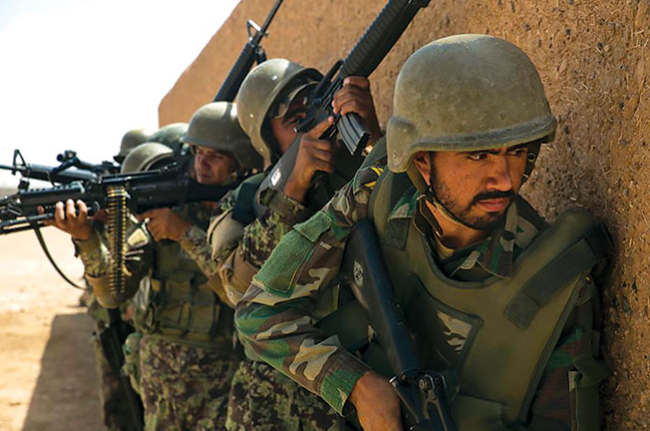 阿富汗士兵进入巴基斯坦避难,阿富汗军方矢口否认