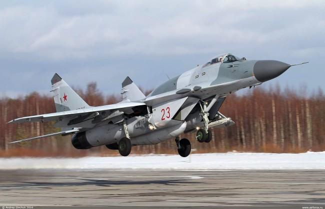 俄军一架米格-29战斗机坠毁,飞行员丧生