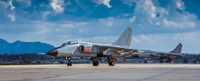 歼轰-7升级低可视涂装:机身编号隐蔽难辨