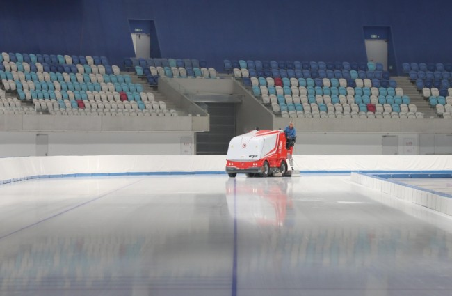 """具备测试赛条件!今天,""""冰丝带""""首次献上""""最美的冰"""""""
