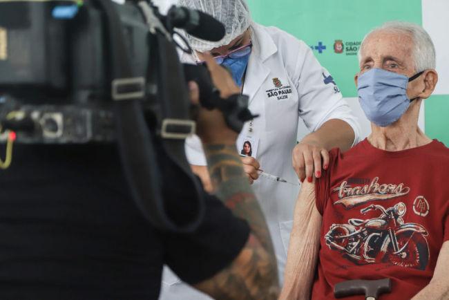 巴西圣保罗:接种新冠疫苗
