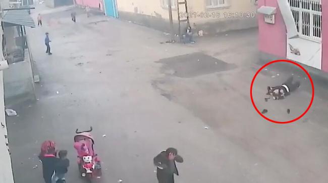 土耳其一女子在家中遭受丈夫暴力 从三楼阳台摔下楼
