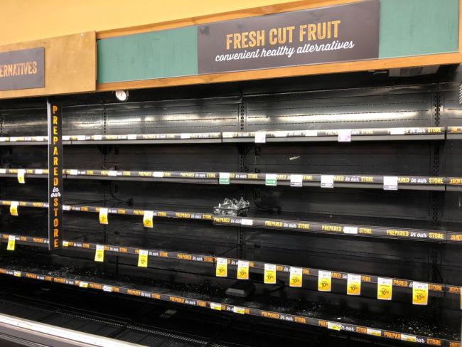 美国得州食品和饮用水供应吃紧 部分商品价格飞涨