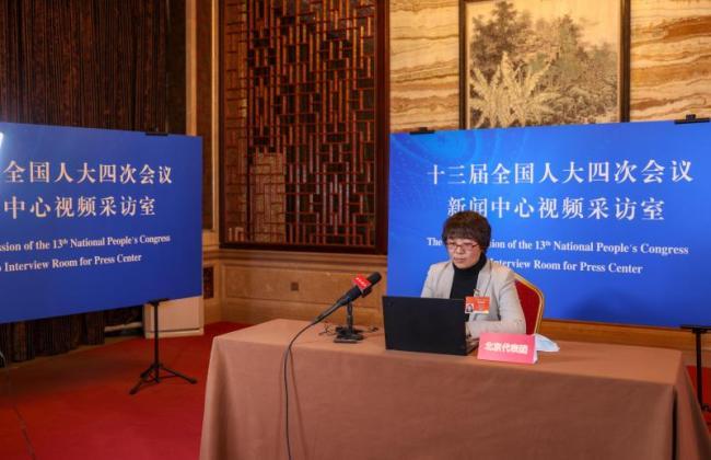 全国人大代表田春艳:建议延长产假至6个月