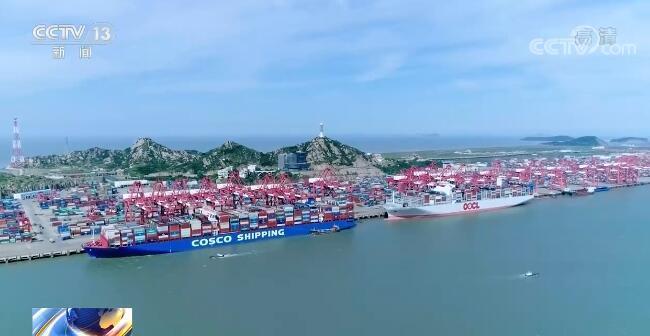"""我国外贸企业订单大幅上涨 多举措破解集装箱""""一箱难求""""难题"""