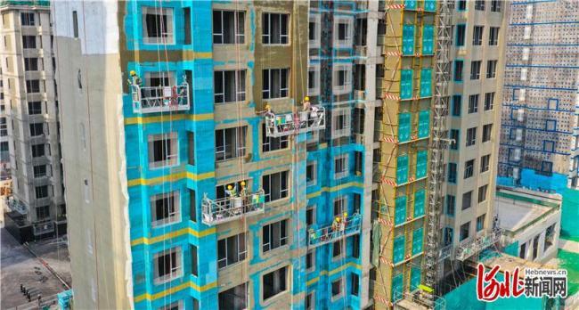 雄安新区容东片区建设施工正酣