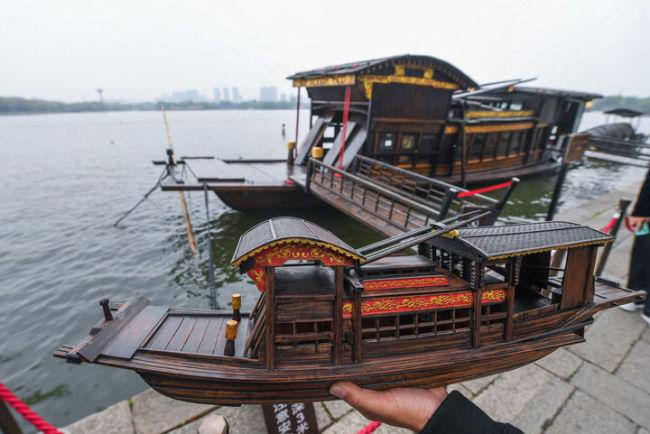 """以匠心致初心——他让红船""""驶""""向世界"""