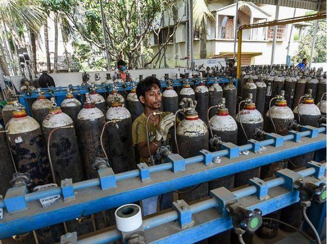 中国800台制氧机运抵德里 印度网友:远亲不如近邻