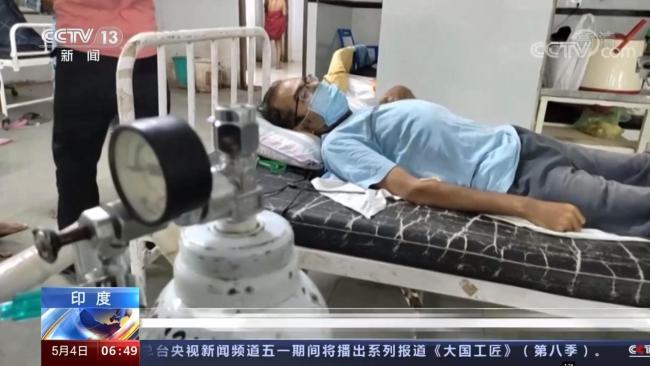 印度病患因氧气不足死亡 医生镜头前哽咽