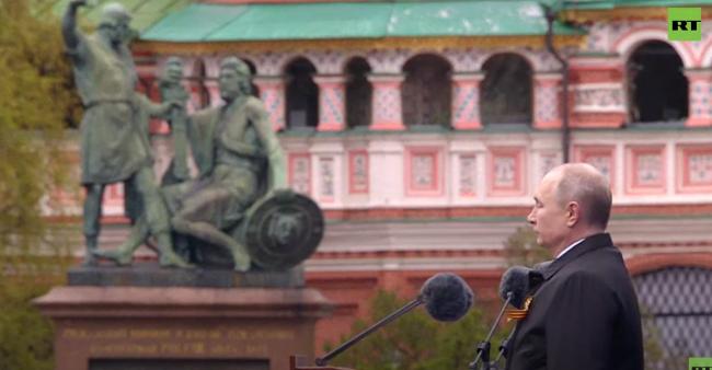 俄罗斯红场举行阅兵 普京:仇俄情绪的人不容宽恕