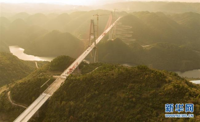 (沿着高速看中国·图文互动)(4)昔日雄关如铁,今朝如履平地