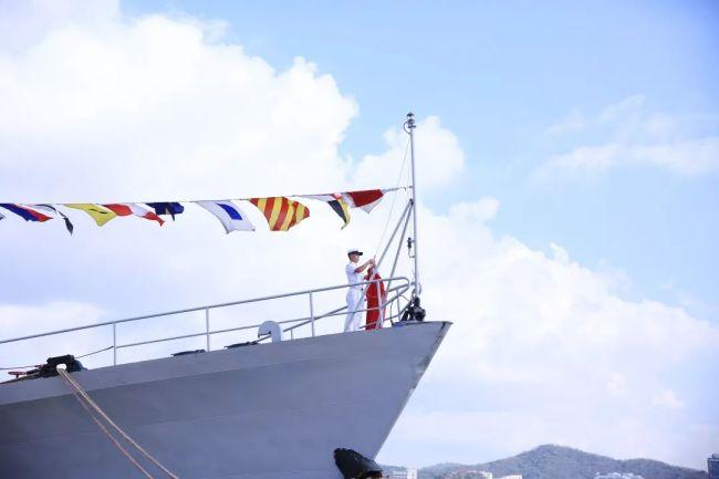 """服役36年,""""老兵""""丹东舰退役"""