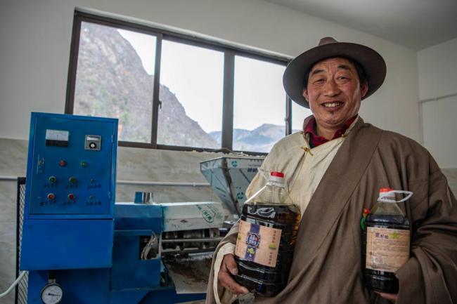 """19.5万名!西藏农牧民党员成为乡村发展的""""主心骨"""""""