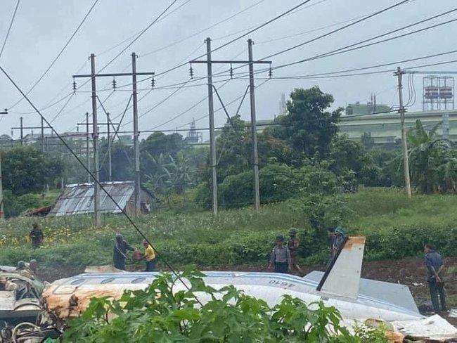 外媒:一架乘有16名乘客军机在缅甸坠毁8人死亡