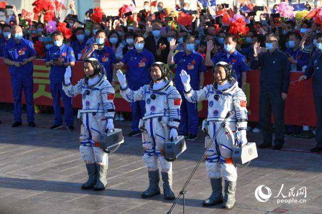 回放:神舟十二号载人飞船发射任务取得圆满成功