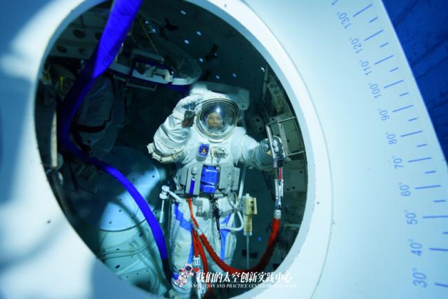 中国航天员水下训练大片,超燃!
