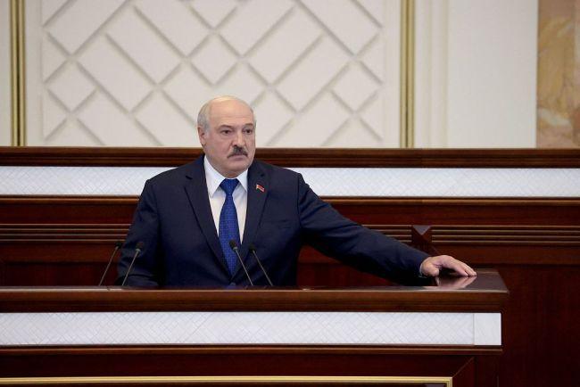 北约在白俄罗斯边境频繁军演 卢卡申科谴责