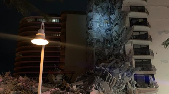 美佛州高层大楼倒塌已致1死8伤 有儿童被困废墟