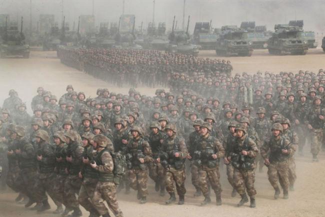 庆祝中国共产党成立100周年|在党的旗帜下奋斗强军