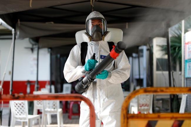 台湾新增57例本土新冠病例 新增15例死亡病例