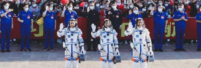 神十二航天员已在轨一个月!盘点那些澎湃瞬间