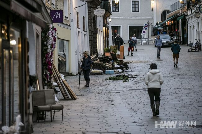 欧洲洪灾已致至少188人遇难 街道一片狼藉