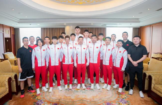 中国体育代表团相继发兵东京 出征大合照刷爆全网